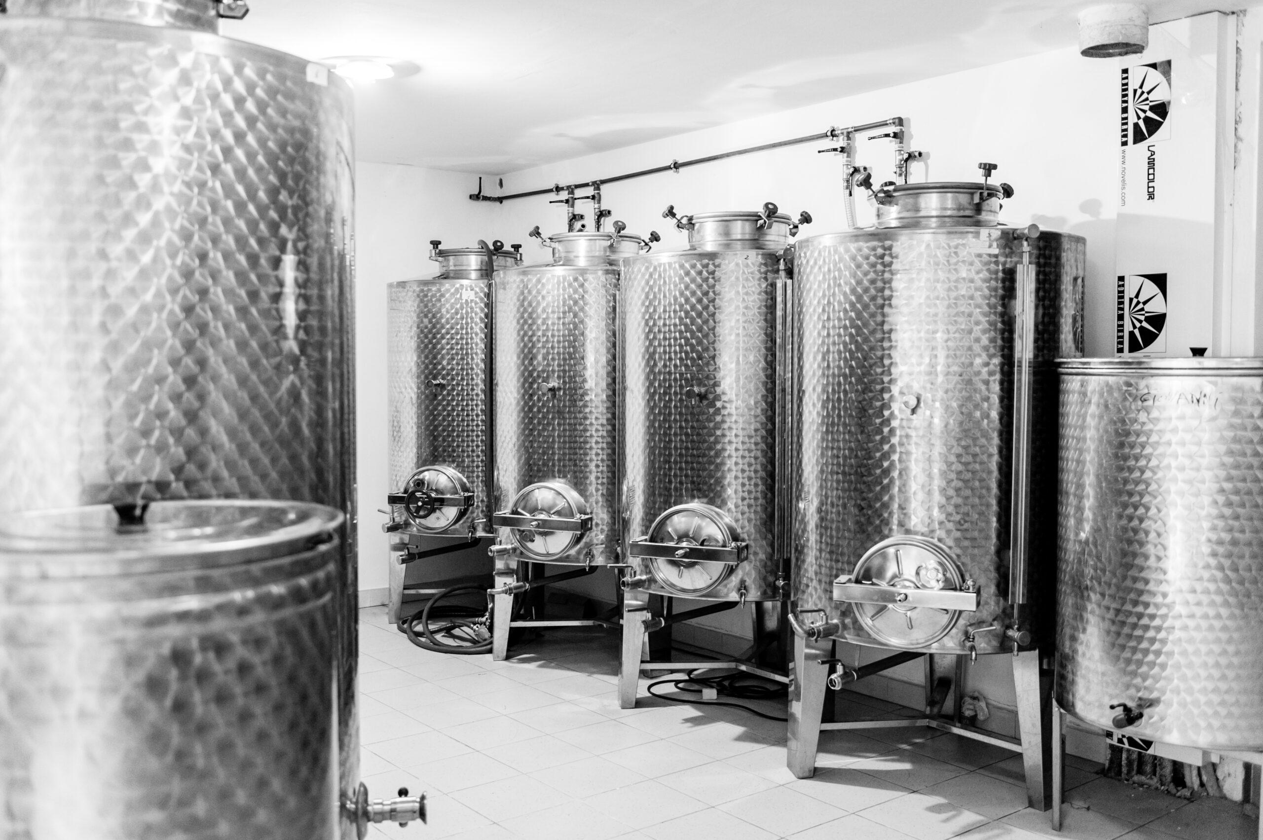 cisterna per olio di oliva presso azienda laRiservaBio